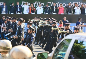 desfile-civico-gobernador-kiko